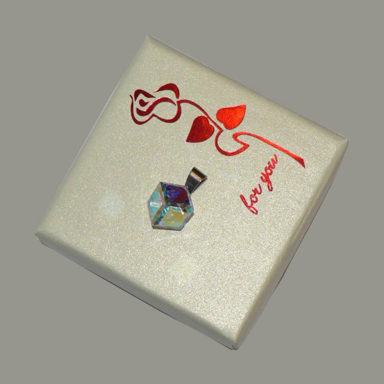Swarovski kristályos kocka medál
